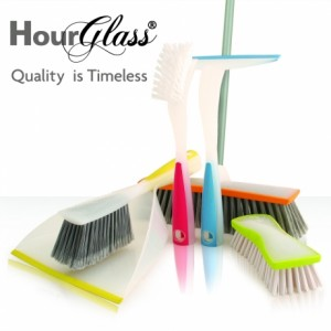 Hour glass brushes